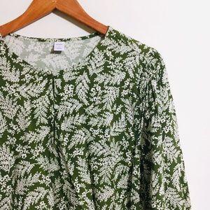 • forest green lightweight botanical blouse •